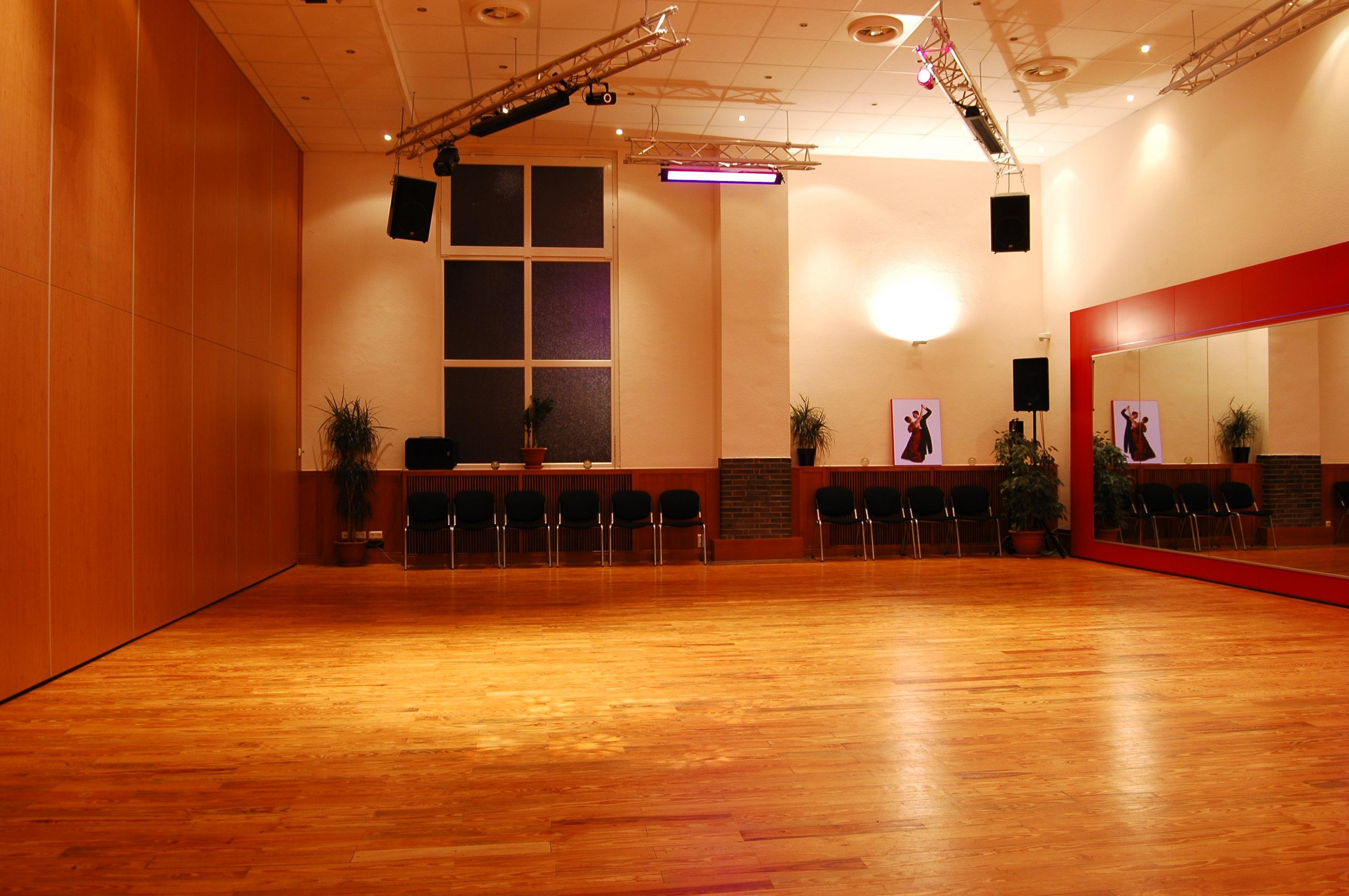 Blick in den kleinen Tanzsaal